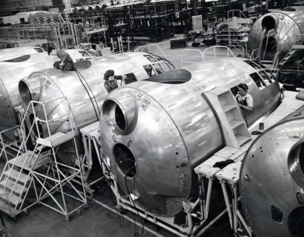 Boeing B-29 pressurized cockpit assembly, showing connectors for pressurized tunnel