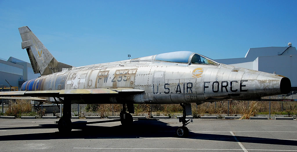 F-100 Super Sabre, Buzz Number FW-239, at Les Ailes Anciennes Toulouse, France