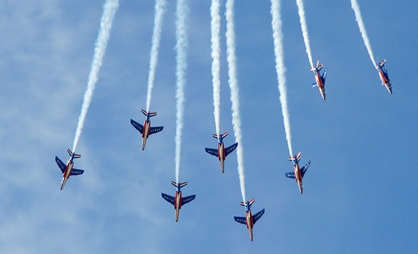 Aerial performance of the Patrouille de France flight demonstration team