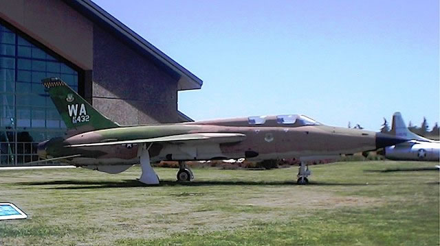 F-105G Thunderchief, S/N 62-4432, Evergreen Aviation & Space Museum, McMinnville, Oregon