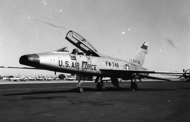North American F-100 Super Sabre FW-748