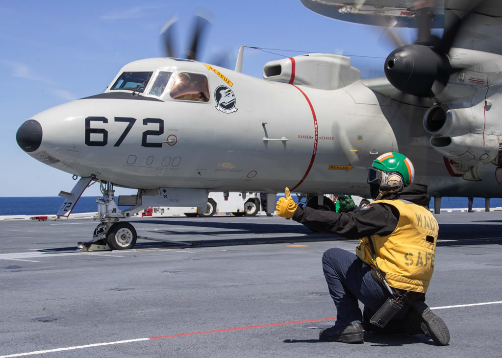 Navy E-2D Hawkeye carrier launch sequence